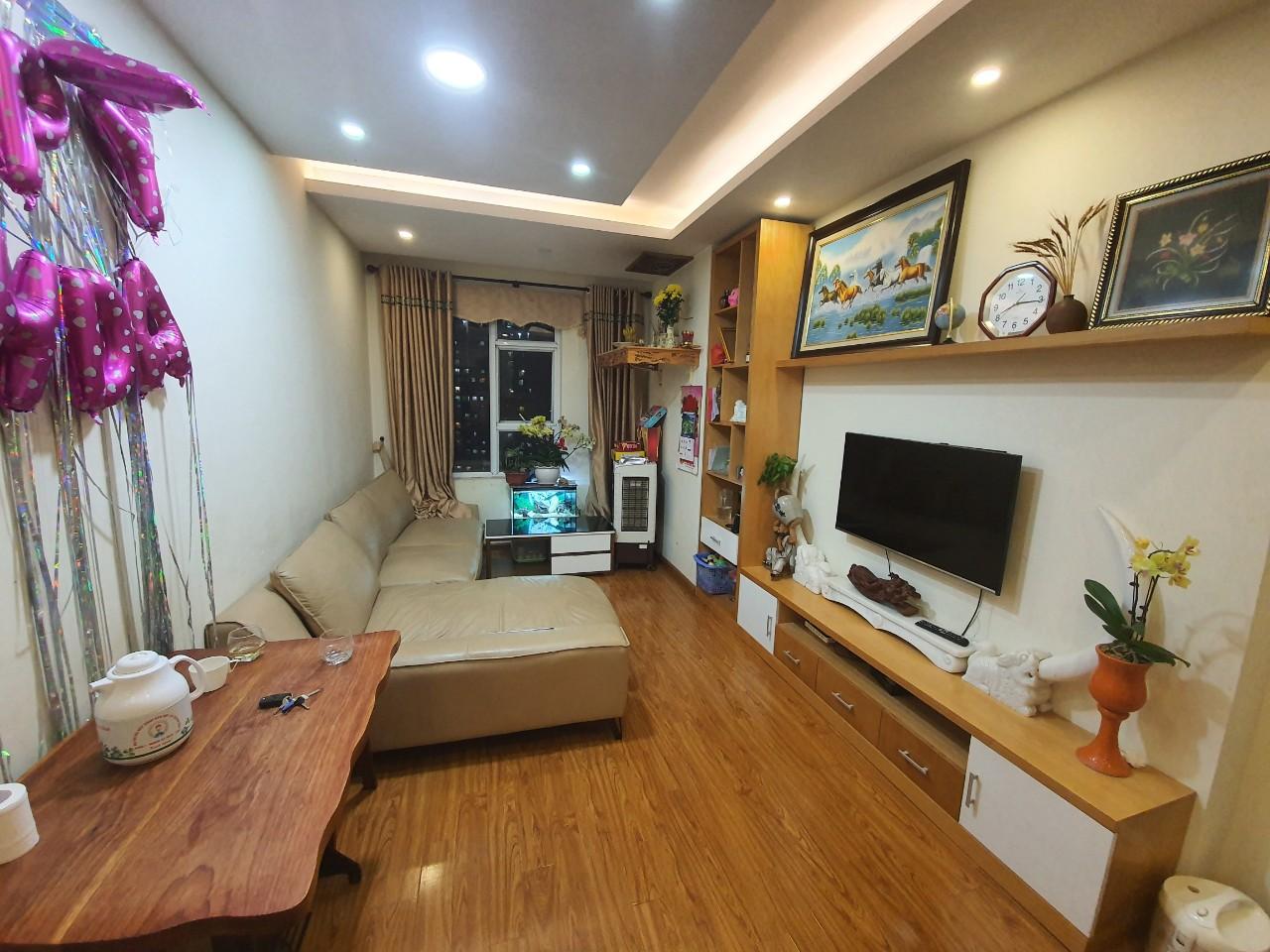 bán chung cư CT12 Văn Phú Hà Đông tầng trung full nội thất giá 1,45 tỷ