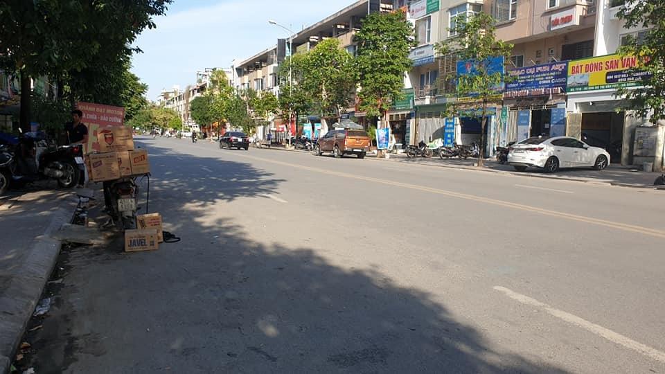 Bán Liền kề hướng Đông - Bắc, mặt đường 16.5m, khu đô thị Văn Phú