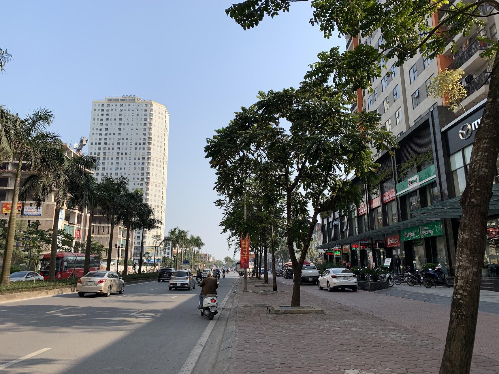 Bán liền kề Văn Phú mặt sau lưng đường Lê Trọng Tấn, hướng Tây Nam đường rộng 16,5m quay ra khu vui chơi công công thoáng đãng