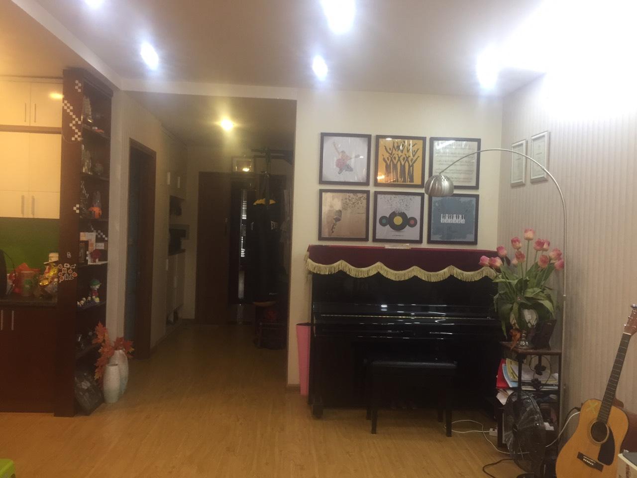 Bán Chung cư căn 03 2 phòng ngủ tòa V3, cửa Đông - Nam ban công Tây - Bắc, Chung cư Văn Phú Victoria - Hà Đông - Hà Nội [#H2179.1881]